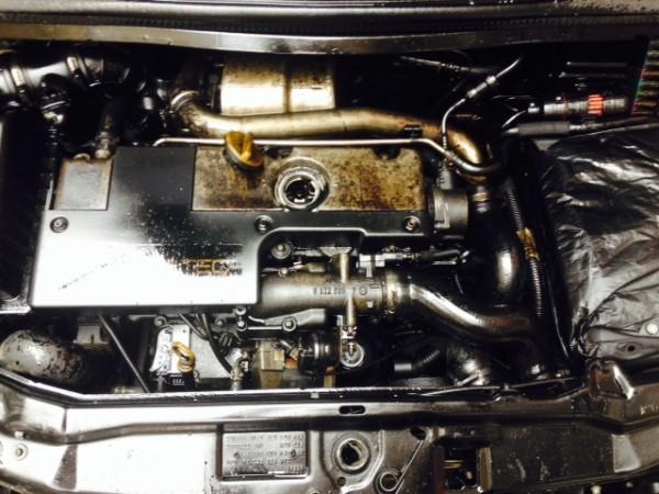 Motoröl auf Motor